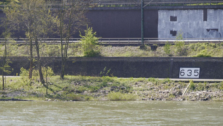 Rheinkilometer_635_Oberwinter_Remagen_lrh