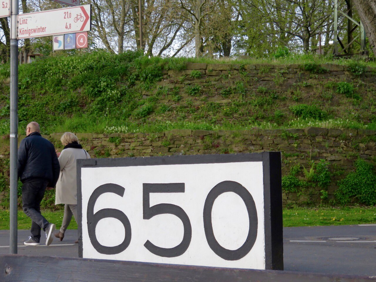 rheinkilometer-650