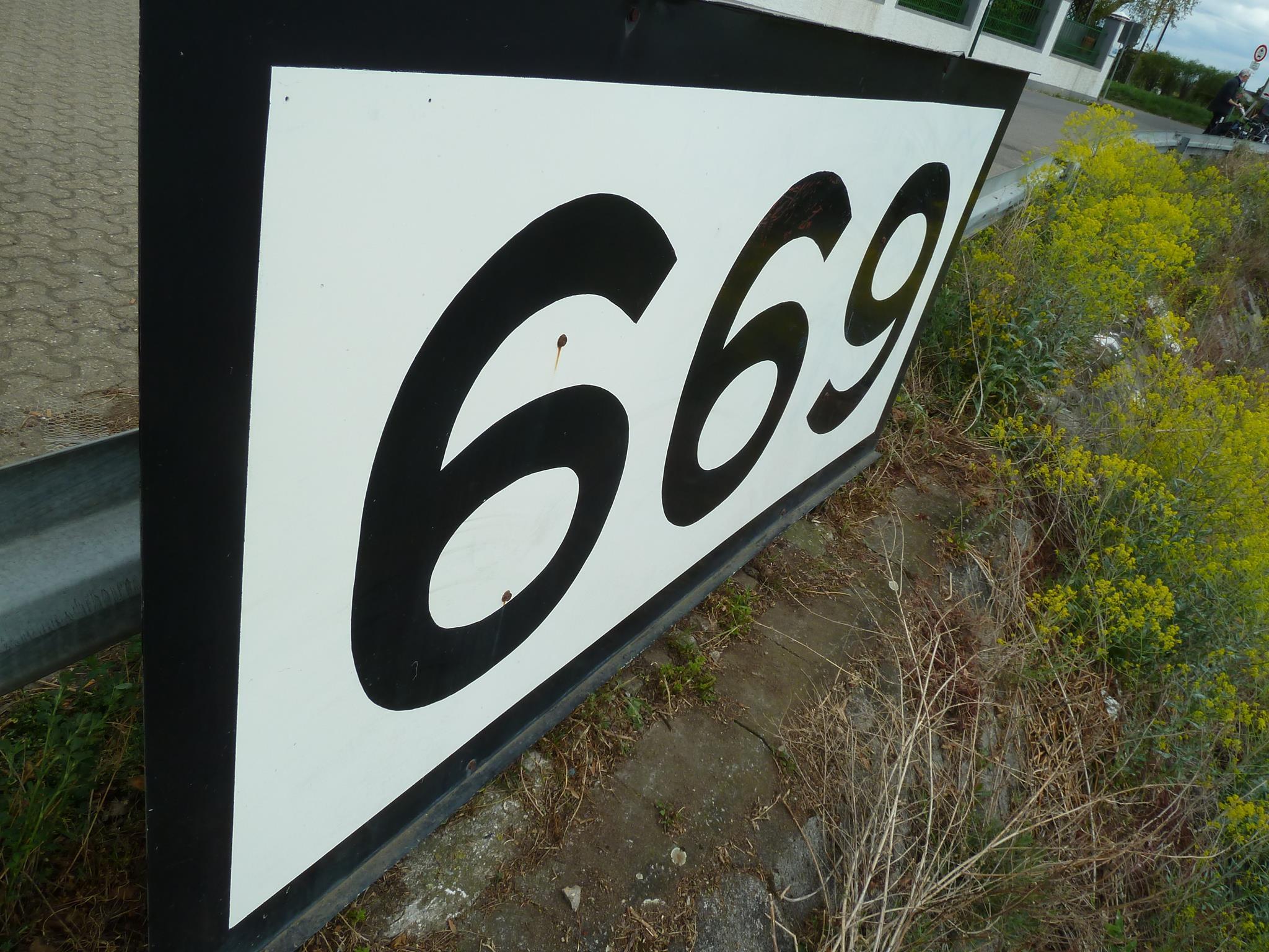 rheinkilometer-669