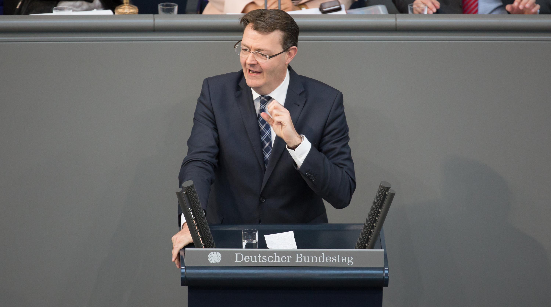 Michael Frieser spricht am 23.04.15 in Berlin im Deutschen Bundestag / Fotograf: Tobias Koch (www.tobiaskoch.net)