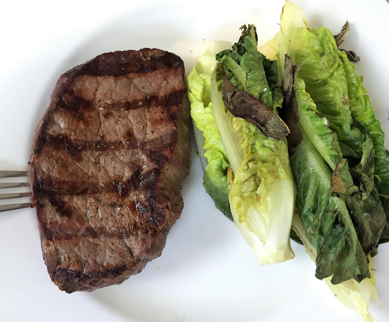 mein abendessen steak mit gegrilltem salat das blogmagazin. Black Bedroom Furniture Sets. Home Design Ideas